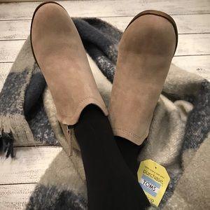 TOMS | Deia zip bootie Desert Taupe Suede/Wool